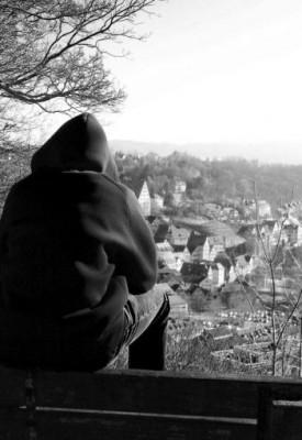 Die Einsame Frau Am Brunnen Unendlichgeliebt