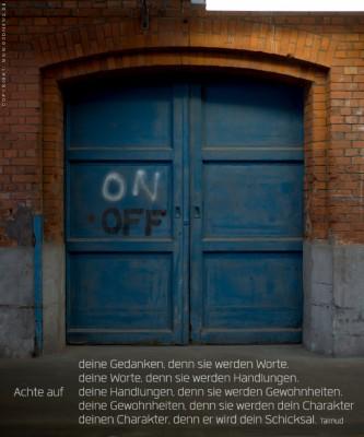 Eine tür  Wenn Gott Türen öffnet oder schließt … | GekreuzSIEGT