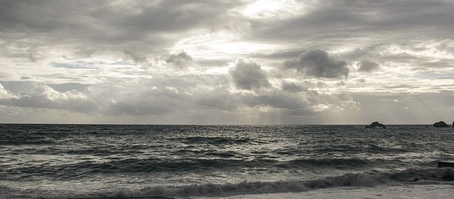 cloudy-1309843_640