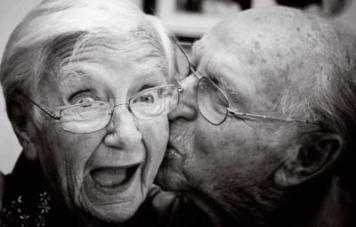 Altes Paar Freude
