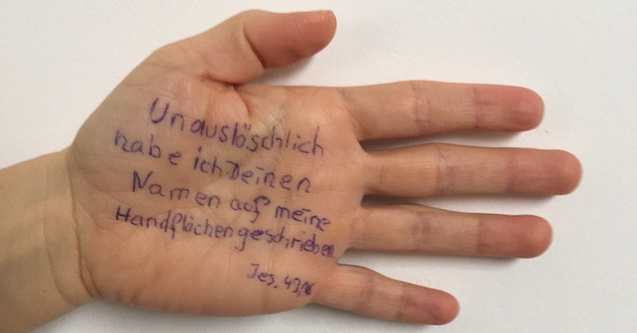Auf Deine Handfläche geschrieben