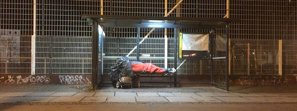 obdachlos Bushaltestelle